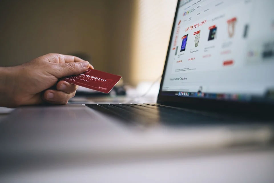 Safety Tips to Remember in Online Buying - Advantages & Disadvantage