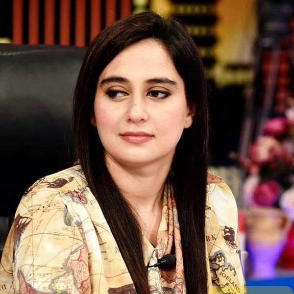 Ayesha-Jahanzeb-news-anchor