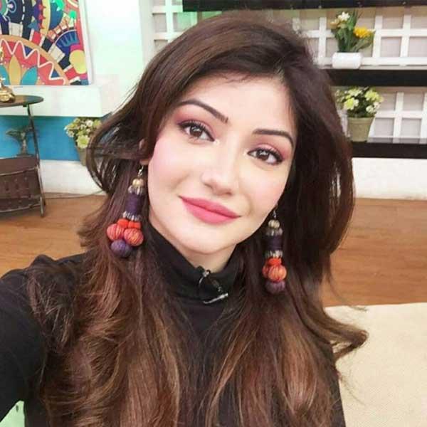 Sadaf-Jabbar-news-anchor