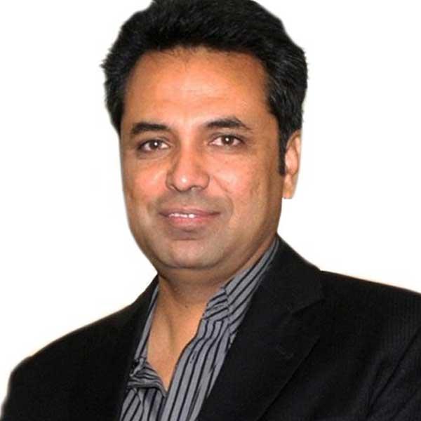 Talat-Hussain-News-anchor